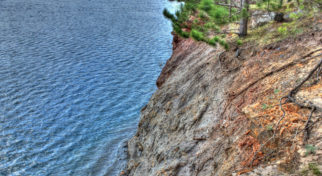wisconsin-black-river-state-park-high-cliffs-along-the-shoreline_mini